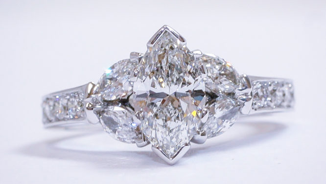 Auction A Diamond Ring In New Orleans La